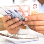 Δόση 60€ για οφειλές 25.000€ συνταξιούχου στρατιωτικού