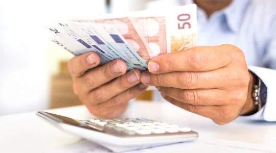 Μηδενική δόση για άνεργη με οφειλές 60.000€