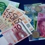 Μείωση δόσης δανείων στα 370€ από 1685€